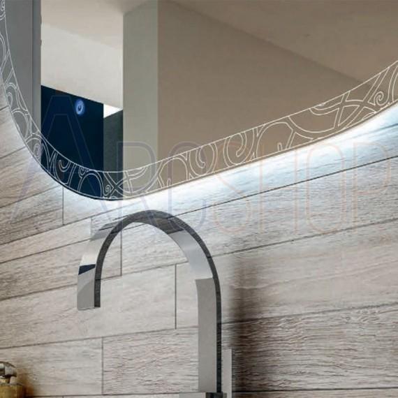 Specchio LED touch ovale con disegno intarsiato 75X100