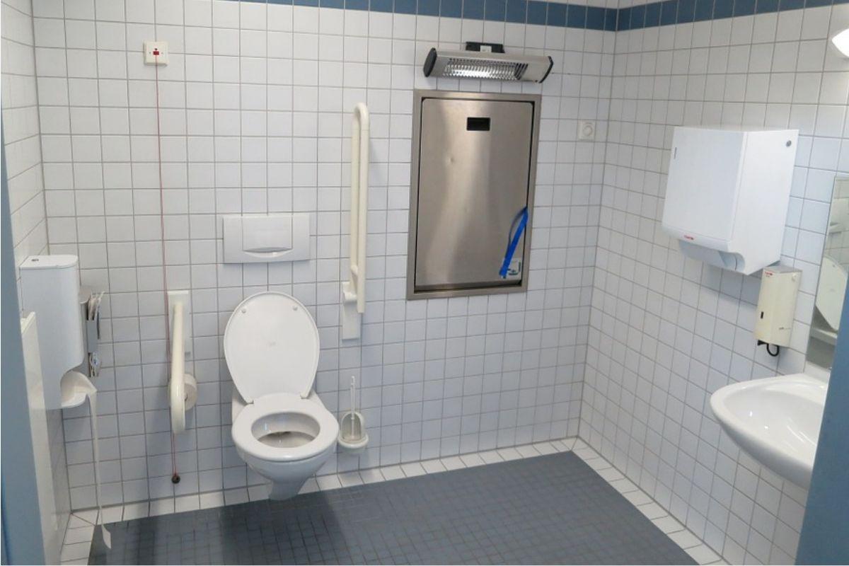 Bagno Senza Bidet Normativa allestimento di un bagno per disabili: cosa considerare