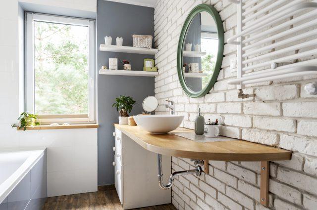 Come ristrutturare un piccolo bagno? 3 fattori da considerare